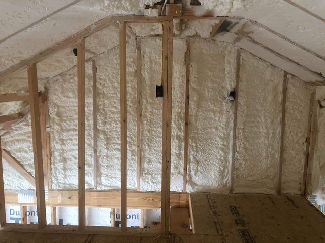 Reed's Sprayfoam Insulation - Spray Foam Insulation Photo