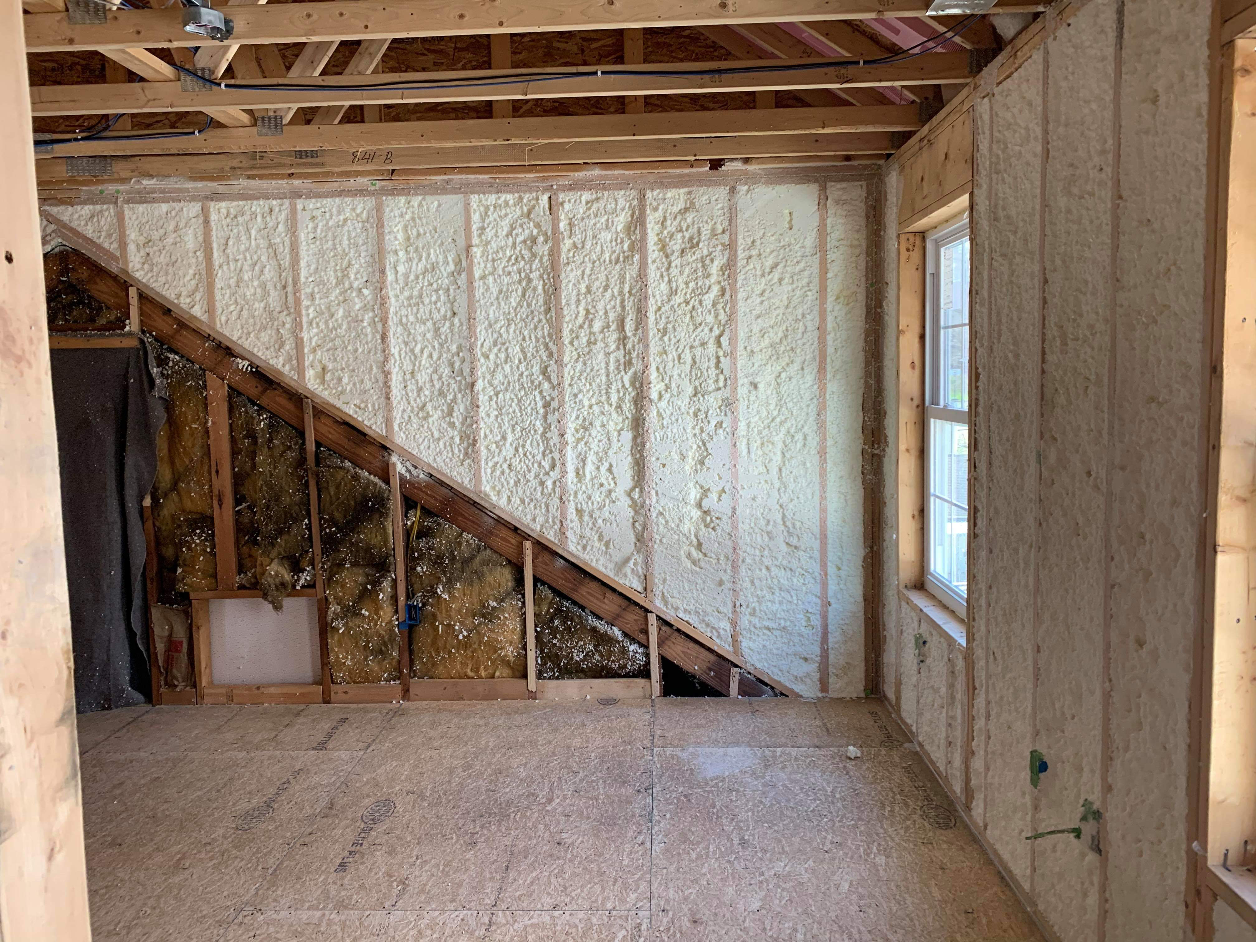Difference between sprayfoam and regular insulation
